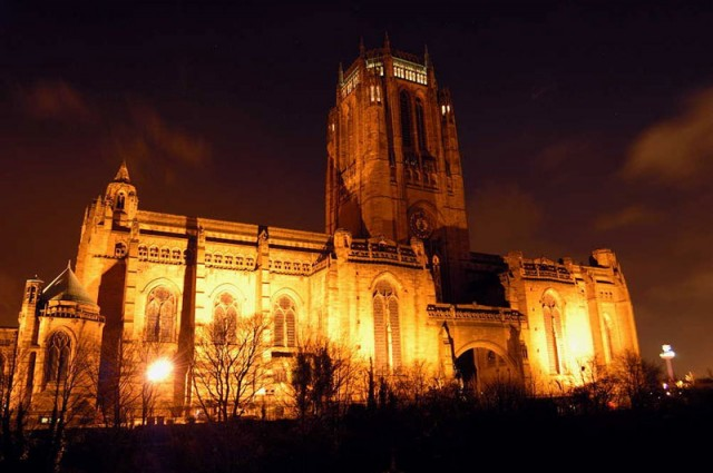 Anglican-Cathedral-by-night-cn